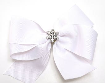 White and Silver Holiday Hair bow, CHristmas Hair Bow with Snowflake Detail, Girl's Winter Hairbow, Snowflake Bow, White Winter Hair Bow