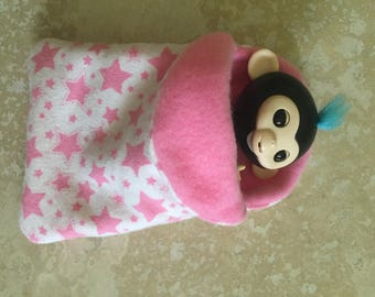 Fingerlings Finger Monkey pink fleece lined star sleeping bag accessory