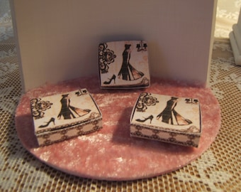 Miniature 1/12 Dollhouse Boudoir spirit box