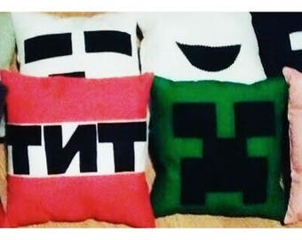 8 piece Minecraft pillow set!