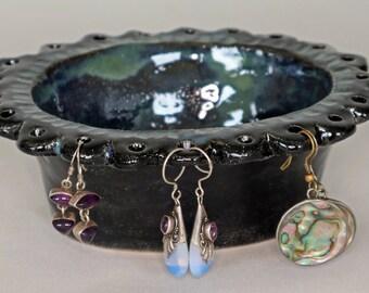 Jewellery dish, earring holder.