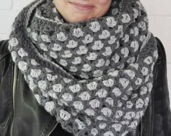 Warm crochet col, scarf.