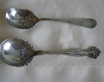 1940s 2  sugar/berry spoons
