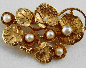 Quality Goldtone Lily Pad Brooch Pin with Pearls