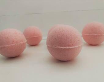 6 Half Pound Pomegranate Bath Bombs!