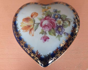 Heart-Shaped Lidded Porcelain Box / PM Friedrich Eger & Co / Germany