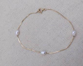 14k gold vintage bracelet with  pearls