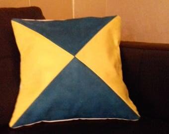 bicolor triangle pillow