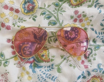 Pink aviator sunglasses <3