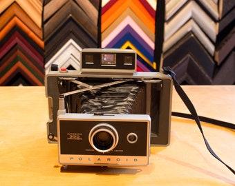 Polaroid Automatic 330 Land Camera