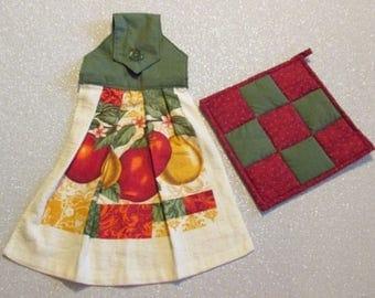 Tea Towel & Matching Pot Holder Set: Dark Green and Apples