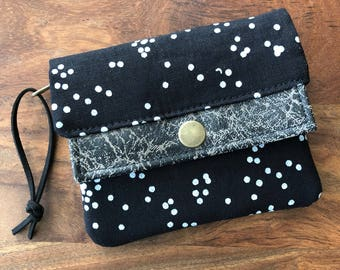 Mini Minimalist Wallet - Black Scattered Dots