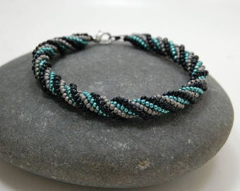 Darkness/Herringbone Bracelet/Bangle/Handmade Jewelry/Beaded Bracelet/Beadwoven Bracelet