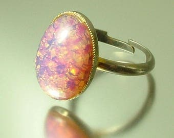 Vintage/ estate 1970s/ 80s gold plated and dragons breath, opalescent glass adjustable ring - jewelry