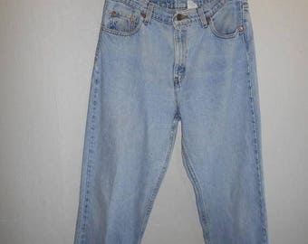 Closing Shop 40%off SALE 90's Levis zip fly    waist  32  MOM jeans High Waisted