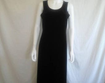 Closing Shop 40%off SALE 90s black long velvet dress size 10