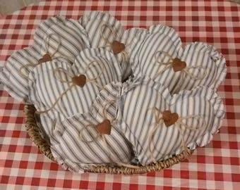Primitive Heart  Bowl Fillers Set of 6