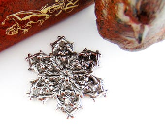 Closeout Sale ANTIQUE SILVER Snowflake Stamping ~ Jewelry Findings (FB-6105)