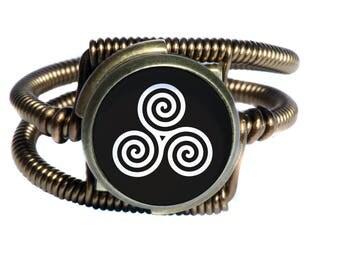 Steampunk Jewelry - Ring - Triskele, Triskelion
