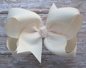 Large 6 inch Size Grosgrain Hair Bow in Ivory Big Girls Boutique Style Hairbow Off White