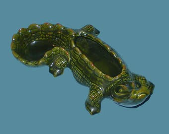 Vintage 60s Green Alligator Ceramic Ashtray
