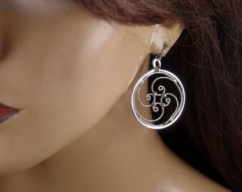 Sterling silver filigree dangle round earrings