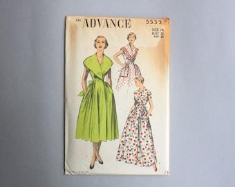 50s Dress Pattern / Vintage Uncut Advance Sewing Pattern / Wrap Dress Pattern Shawl Collar Pockets Full Skirt 5532 14 bust 32 waist 26