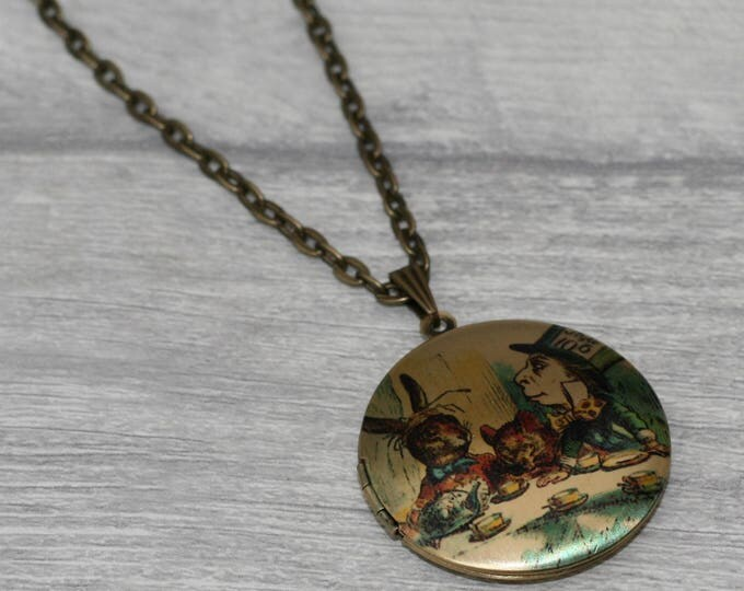 Mad Hatters Tea Party Locket Necklace, Alice in Wonderland Locket, Alice In Wonderland Necklace, Tenniel Illustration, Alice Jewelry