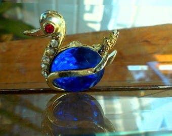 Sapphire And Ruby Color Rhinestone  Figural Swan Pin / Vintage Swan With Gemstones