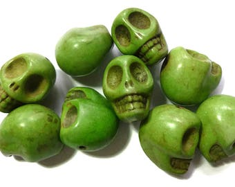Skull beads Day of the dead skull beads  14x18mm Skull Beads, about 25 beads per 16in strand OE0800C
