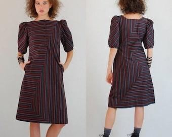 SALE 25% off sundays Striped Sheath Dress Vintage Abstract Graphic Striped Modern Sheath Dress (s)
