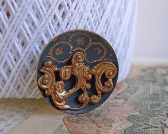 Antique Filigree Etched Metal Picture Sewing Button