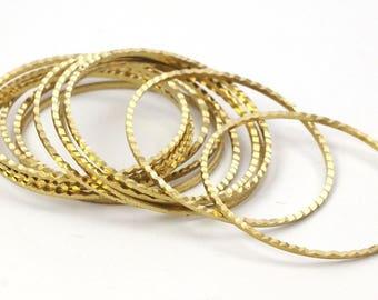 Boho Circle Pendant, 30 Cutting Raw Brass Circles (30mm) A0589