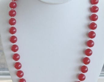 "ON SALE Pretty Vintage 12mm Raspberry Beaded Plastic Necklace, 24"" (P9)"