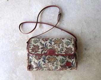 90s Floral Tapestry Purse Preppy Crossbody Shoulder Bag Vintage Cross Body Floral Bag Woven Tapestry Purse Womens Modern Fall Prep Purse