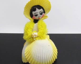 Vintage Shell Girl Figurine Dated 1981 Rockport