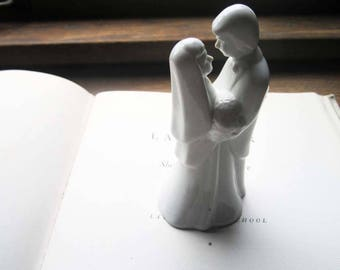 Vintage Wedding Cake Topper ~ White Porcelain Couple ~ In Love ~ Wedding Cake  ~ Japan ~ 1960's 1970's Wedding Decorations ~ Retro Weddings