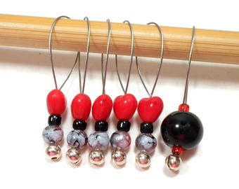 Beaded Stitch Markers, Snag Free, Tiny Red Hearts, Black, Snagless, DIY, Knitting Supplies, Gift for Knitter