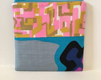 Mid Century Fabric/ Hawaiian Textiles / Zipper Pouch / Cosmetic Bag