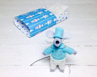 Stuffed felt animal blythe pet tin soldier felt doll gold mouse in box turquoise quiet play set travel toy nursery decor