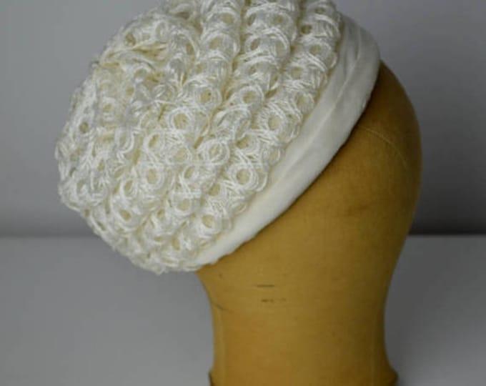 sale Vintage Hat, 60s Hat, White Hat, Straw Hat, Bridal Hat, Spring Hat, Summer Hat, Slouchy Hat, Pill Box Hat, Wedding Hat, 1960s Hat