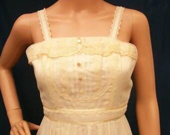 SALE 70s Ivory Gauze Maxi Dress size XXS Extra Small Gunne Sax