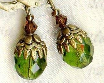 Earrings small jeweled Bohemian crystal OLIVINE OR698 ❀ ❀