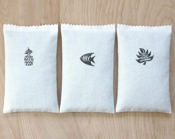 Black and White Lavender Sachets, Scented Drawer Sachets for Minimalist Tropical Decor