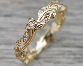 Fine Diamond Wedding Ring in 14K Yellow Gold with Flower Buds & Leafs on Vine Motif Size 6.5