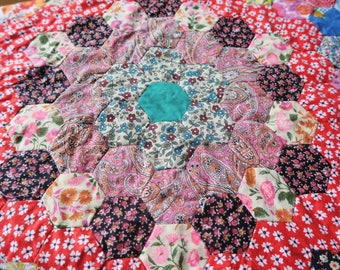 HEXAGONS quilt top, 1940s unfinished quilt, paper pieced, hand pieced patchwork, unfinished patchwork, 40s decor, colourful quilt top,