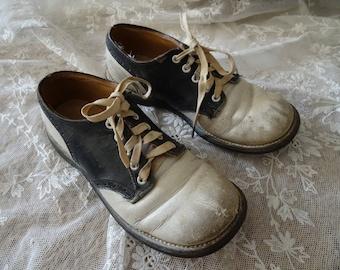 Vintage SHABBY Victorian Black Cream Child's Dress Shoes