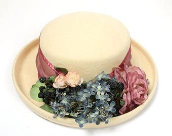ON SALE Vintage Wool Hat Sz 7 1/4 L 70s Ivory White Cream Felt Blue Pink Flowers Berries Free Us Shipping