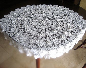 Tablecloth Vintage Crochet WHITE Crocheted Cotton Lace 3D Florettes Ivory Off White