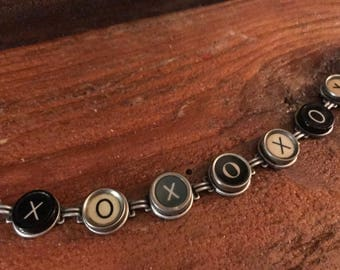 TYPEWRITER Key Bracelet, XOXOXOX, Multi-Color